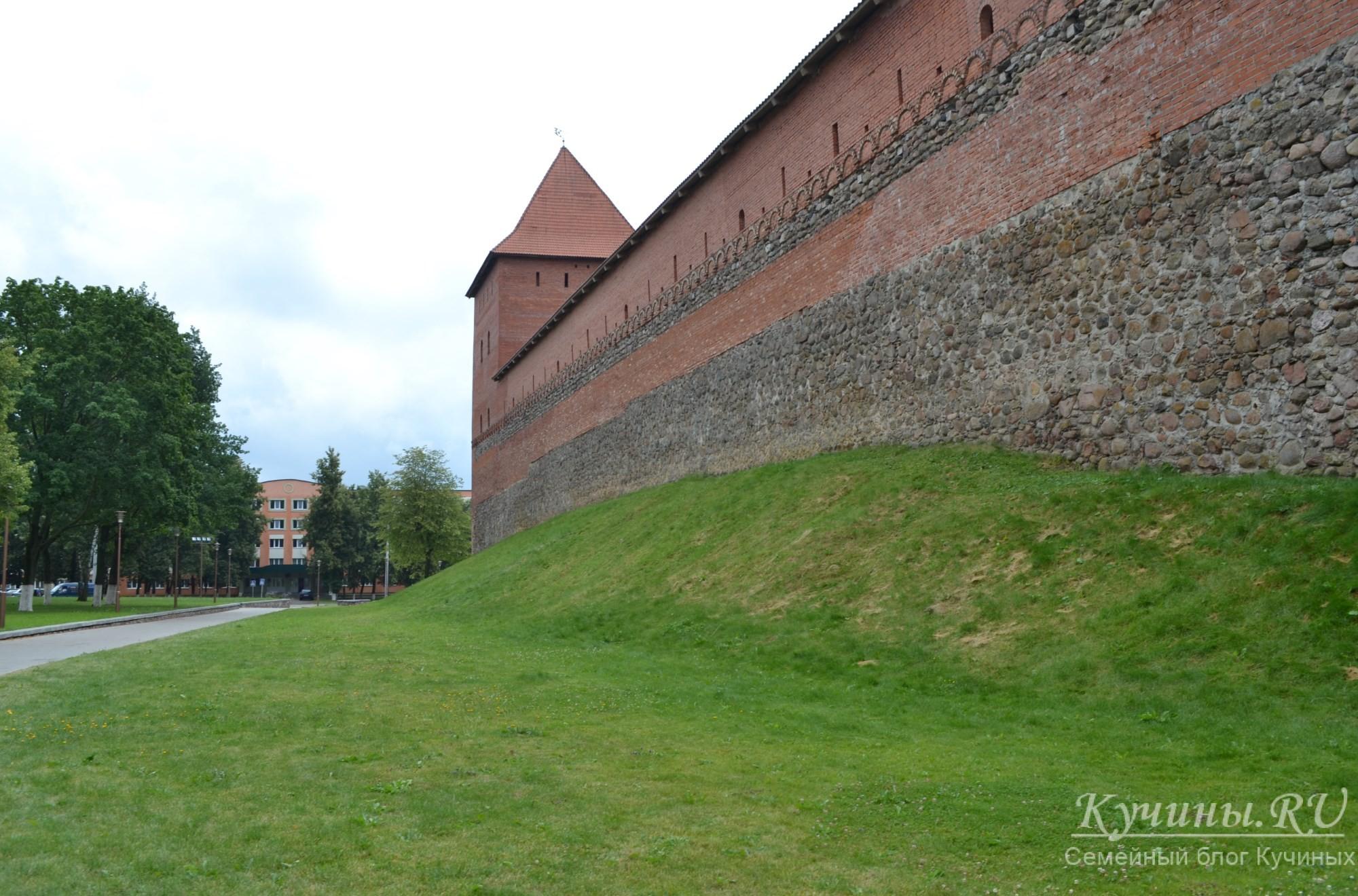 Западная стена замка